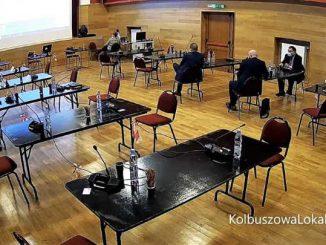 Żenujące pustki na sali obrad Rady Miejskiej